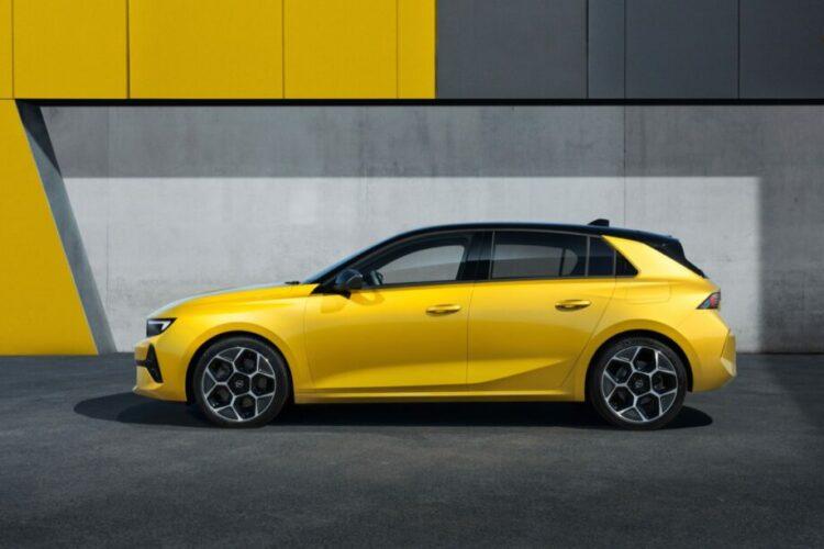 Zijkant Opel Astra L 2022