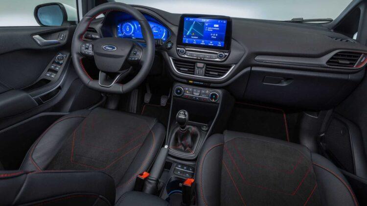 Ford Fiesta interieur 2